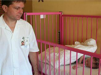 Operace kosovského novorozence v Motole