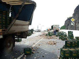 Nehoda nákladního vozu s pivem, Ústí nad Labem