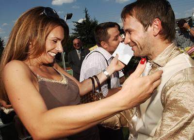 Kliknutím zobrazíte větší formát - Jan Révai a Alice Bendová, 20.7.2007