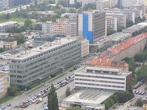 Budova České pošty na ul. Budějovická, Generální ředitelství cel (modrý pruh)