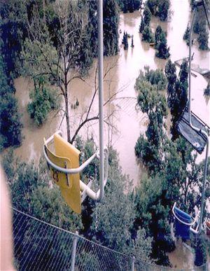 Lanovka ZOO - povodeň 2002