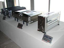 Tři generace palivových článků pro Hondu FCX