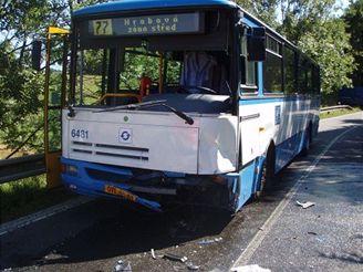srážka fabie s autobusem v Ostravě