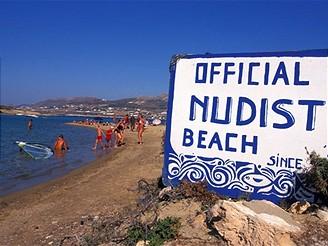 Řecko, nudistická pláž na Antiparosu