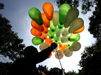 Oslavy 60 let nezávislosti v Indii