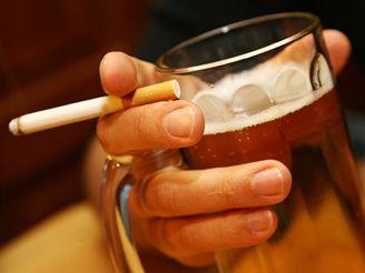 Typickým znakem závislosti na alkoholu je to, že se vytváří postupně.