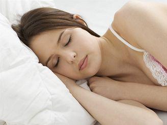 Spánek je důležitý pro regeneraci duševních i tělesných sil.