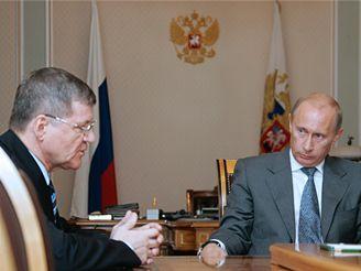 Ruský prezident Vladimir Putin s generálním prokurátorem Jurijem Čajkou
