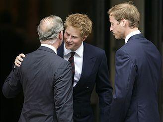 Princ Charles se svými syny Harrym a Williamem