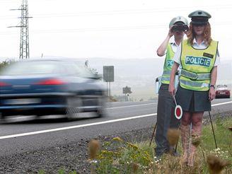 Papíroví policisté na silnici