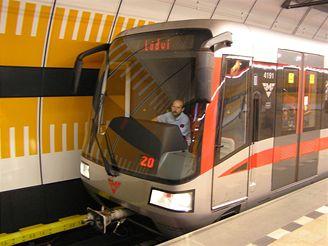 Podívejte se, jak se řídí provoz pražského metra - iDNES.cz