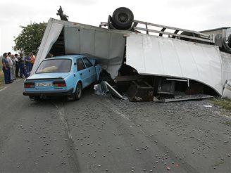 nehoda na silnici z Olomouce na Mohelnici (18.9. 2007)