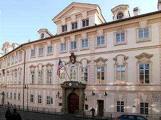 Schönbornský palác v Praze