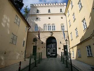 Thunovský palác v Praze