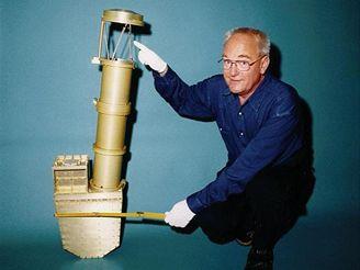 Analyzátor prachu na sondě Stardust