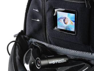 Batohu společnosti O´Neill obsahuje přehrávač a kameru