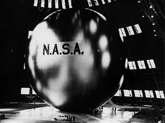 Družice Echo 1 při pozemních zkouškách