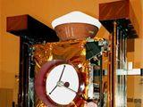 Sonda Stardust před startem (nahoře návratové pouzdro)