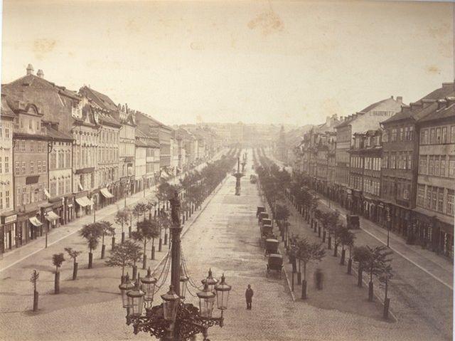 Václavské nám. v 19. stol.