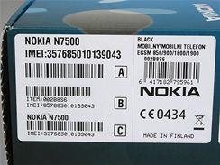 Originální balení telefonu určeného pro český trh