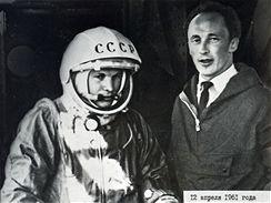 Gagarina doprovázel do lodi Vostok šéfkonstruktér Oleg Ivanovskij