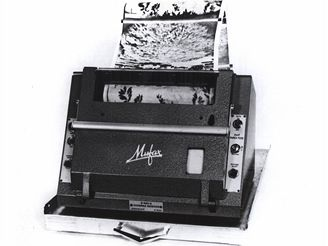 První zařízení APT pro příjem snímků z družic