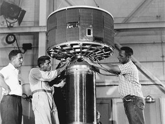 První meteorologická družice TIROS 1
