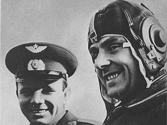 Komarov a Gagarin (hlavní a záložní posádka)