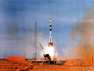 Start Sojuzu 1