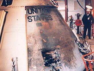 Kabina Apollo 1 po požáru