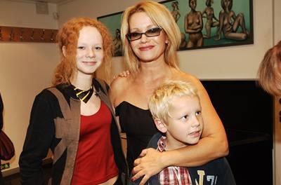 Jitka Asterová s dětmi Annou a Adamem