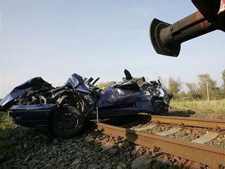 srážka vlaku a Fiatu Bravo u Olomouce, (11.10.2007)