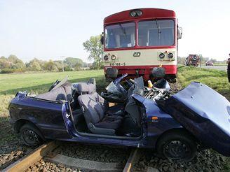 srážka vlaku a Fiatu Bravo u Olomouce (11.10.2007)