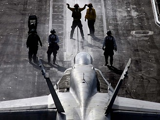 Na letadlové lodi Enterprise
