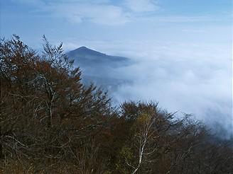 Pohled z Milešovky severovýchodním směrem