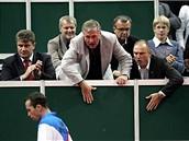 Premiér se svým ministrem fandí tenisu