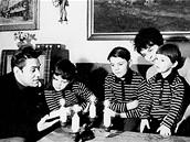 Skladatel Petr Eben s manželkou Šárkou a syny v roce 1970