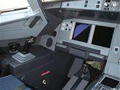Levá část kokpitu v Airbusu A-319CJ