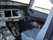 Pravá část kokpitu v Airbusu A-319CJ