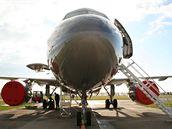 Čelní pohled na Airbus A-319CJ