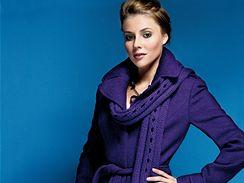 Nové módní barvy: fialová jako švestka