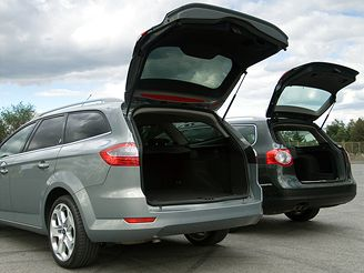 Ford Mondeo v. VW Passat