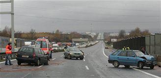 hromadná nehoda na 15. kilometru dálnice D1 (8.11.2007)