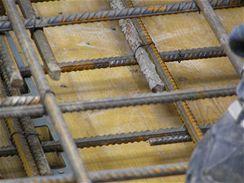 Vyčištěné bednění schodiště