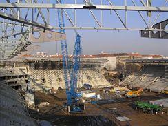 Severovýchodní roh stadionu bude dokončen po montáži ocelové konstrukce střechy