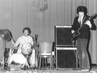 Walter Bartoš hrál v kapele už od 70. let
