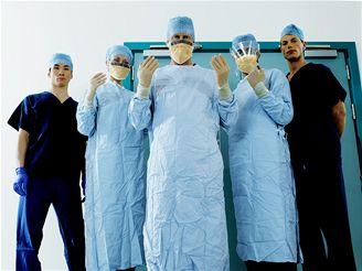 Jeden až dva pacienti z tisíce operovaných cítí při operaci bolest.