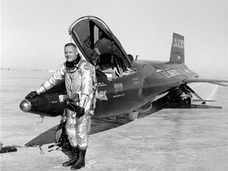 Neil Armstrong u letadla X-15