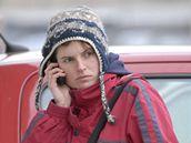 Hana Bašová čeká před brněnskou vazební věznicí na návštěvu Kateřiny Mauerové
