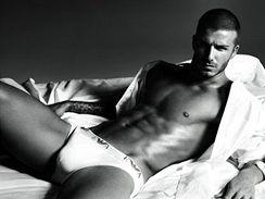 David Beckham v nové reklamě na spodní prádlo Armani